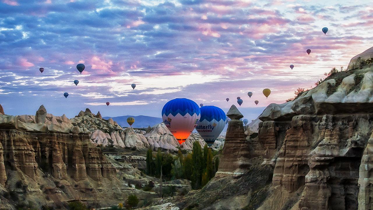 Balloons Pigeon Valley Goreme